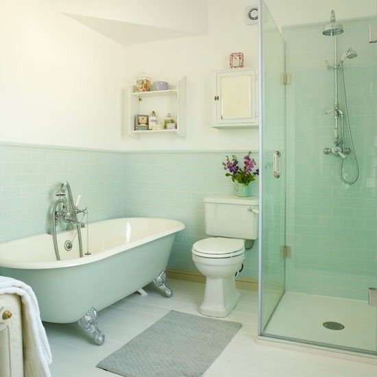 Kamar mandi pastel