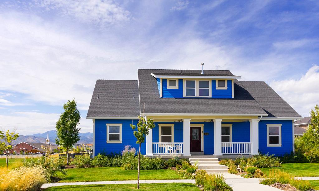 rumah biru