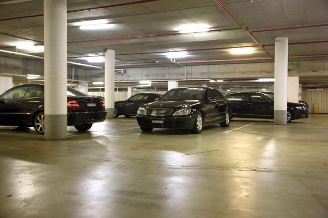 tempat-parkir