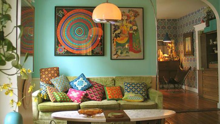 FIMG-gaya-maximalist-ruangan-penuh-warna