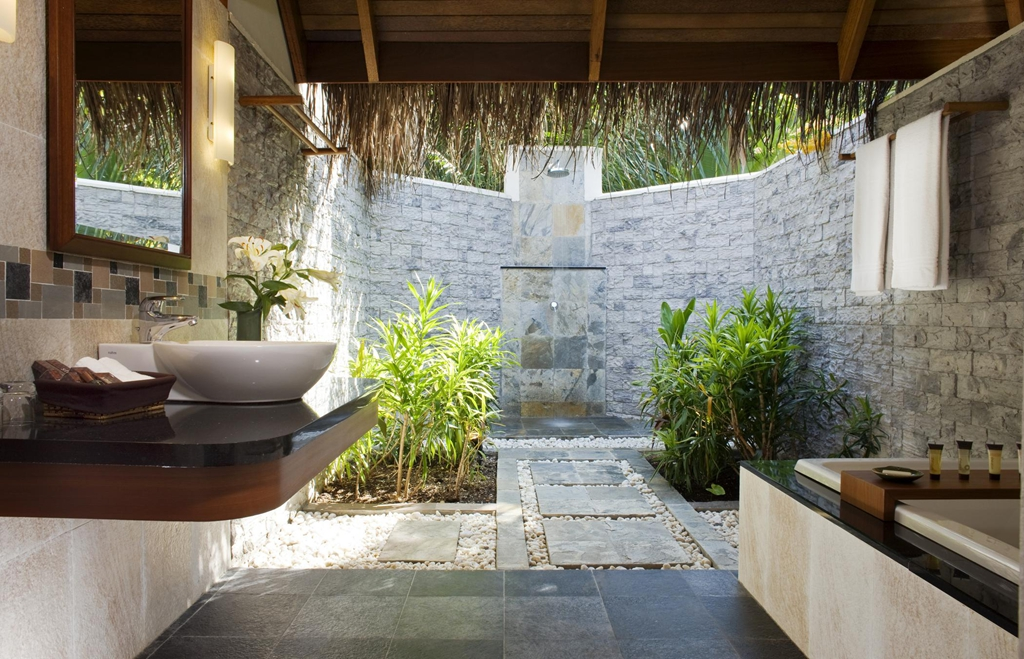 semi outdoor bathroom