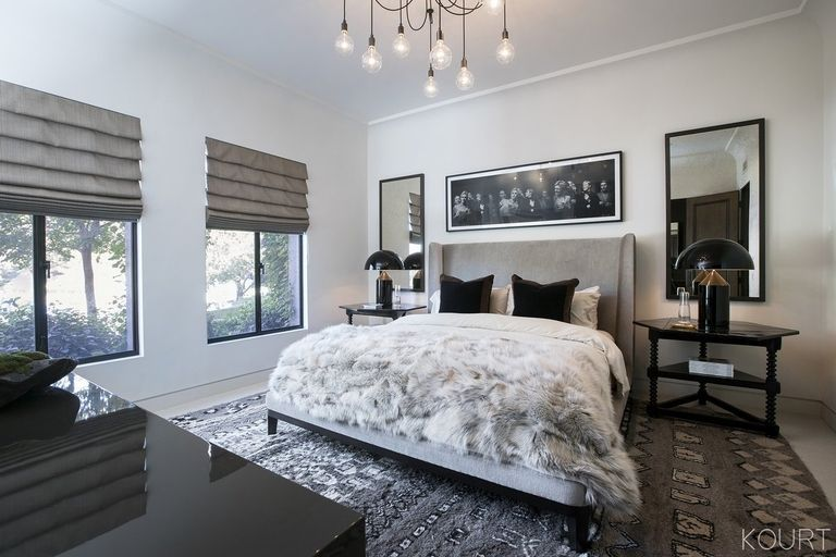 kourtney-kardashian-guest-bedroom-02-1513374663