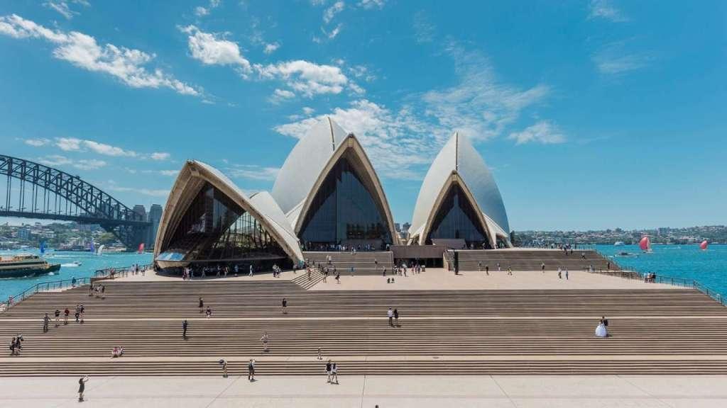 Arsitektur-Kontemporer-Opera-House