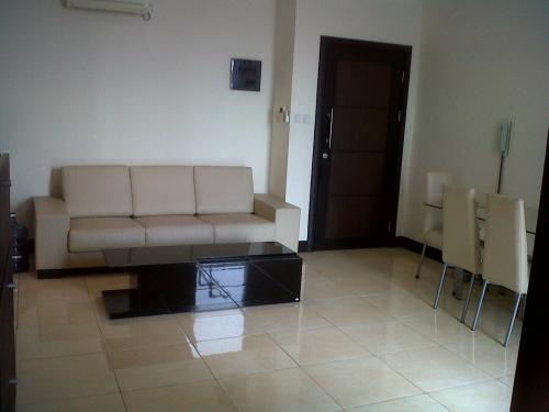 Jual apartemen essence darmawangsa apartment