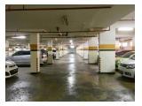 Tempat parkir basement yang luas dan langsung terintegrasi dengan elevator