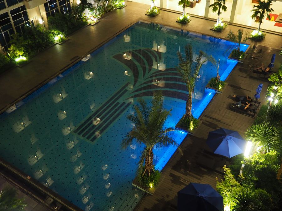 Capitol-Park-Jakarta-swimming-pool-at-night
